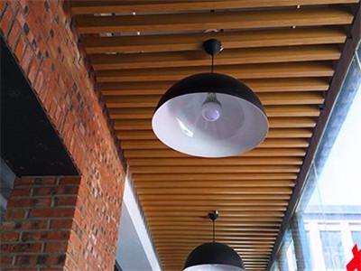 木纹铝方通吊顶 走道木纹铝方通天花