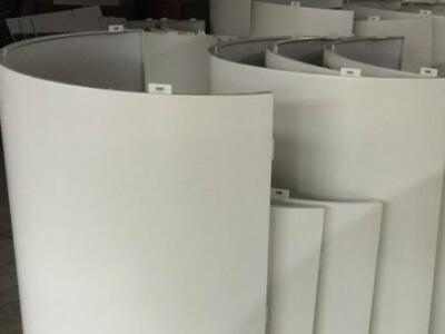 金腾达包柱铝单板厂氟碳包柱铝单板弧形包柱铝单板