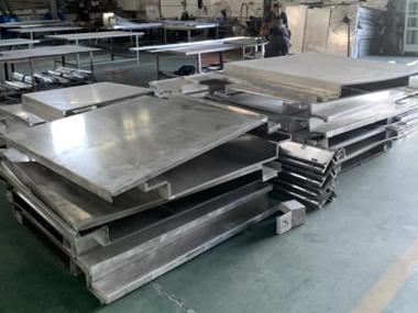 室外2.0mm铝单板成型中