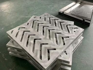 2.0mm雕刻铝单板成型中